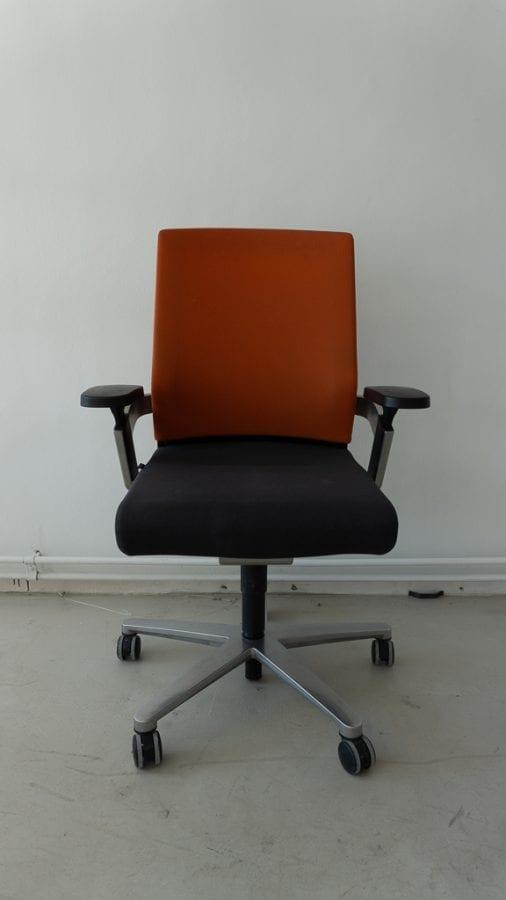 Wilkhahn Design – Ergonomic office chair – H43-55 cm ...